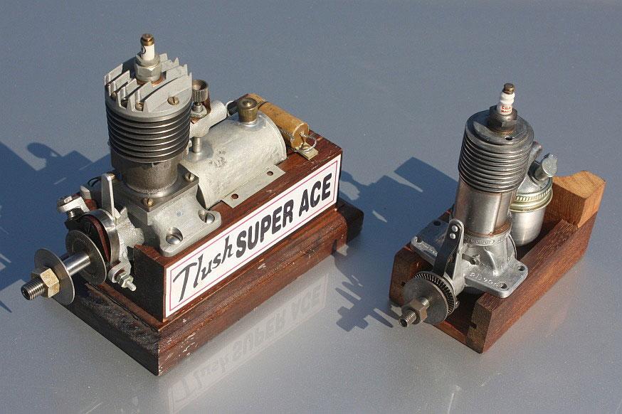 Porovnani-velikosti-motoru-TLUSH-a-BROWN-JUNIOR