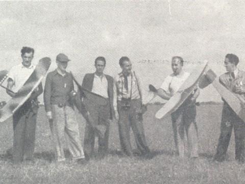 Obr. 1. Od leva: Jančařík, Hořejší, Vaněk, Bukovský, Jindra, Lánský